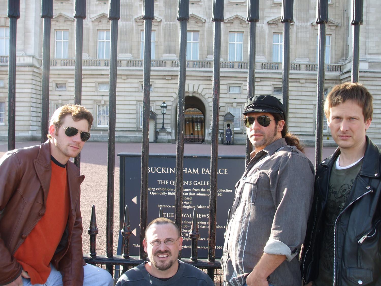 Buckingham Palace  London, England U.K. (11-5-07)  photo by Bill Nelson